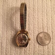 Vintage Ladies 1971 Timex Electric Gold Tone Watch With Flex Band. Running
