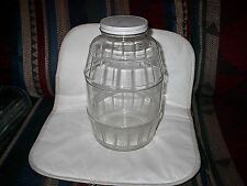 A VERY NICET VINTAGE  HEAVY GLASS ONE GALLON GLASS JAR WITH LID