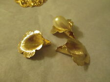 3 Vintage Textured Richly Gold Plated Brass Tulip Setting Caps 25x24mm  R279