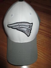 "Reebok NEW ENGLAND PATRIOTS ""Flying Elvis"" (One Size) Cap SILVER"