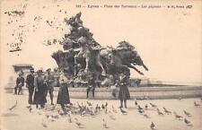 CPA 69 LYON PLACE DES TERREAUX LES PIGEONS