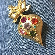 DODDS Vintage Christmas Ornament Pin Brooch Goldtone Multi-colored Rhinestones