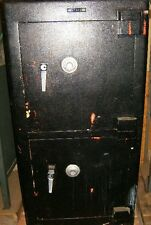CHUBB 2-DOOR BURGLER & FIRE SAFE WITH TIMER