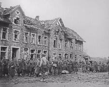 WW2 Koln Cologne Germany German Soldiers POW WWII Photo FL112