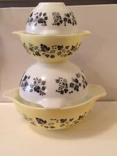 Vintage Pyrex glass yellow and black gooseberry mixing bowls made in USA