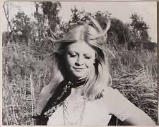 Großes Original 1970er MODE Model im Freien, Blondine, mit Stempel