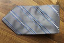 KR1112 1902 by Jan Paulsen Krawatte 100% Seide Grau Weiß Blau gestreift 143,5cm