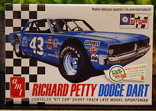 Dodge Dart Sportsman # 43 Richard Petty, 1:25, AMT 819