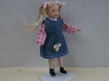 Katie Con Moños Muñeca Miniatura Para Casa De Muñecas , Ropa Y Accesorios