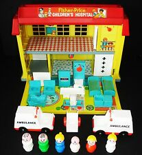 VTG FISHER-PRICE PLAY FAMILY CHILDREN'S HOSPITAL#931 COMPLETE + EXTRAS AND NICE!