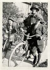 WOMAN, TWO CHILDREN WITH BICYCLE AND TRICYCLE & ORIGINAL VINTAGE SNAPSHOT PHOTO