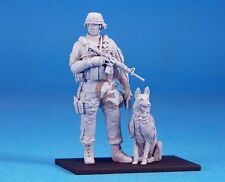 Legend 1/35 Modern US Army K-9 Unit (Military Dog with Handler) (2 Figs.) LF0124