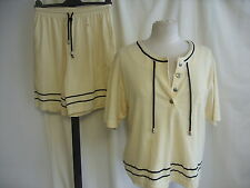 Ladies Top & Shorts Set S/M, yellow with black trim, pull-on, floral logo 1730