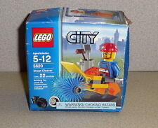 LEGO CITY  5620 STREET CLEANER With Minifig 22 Pcs MIB 2008 Vintage!