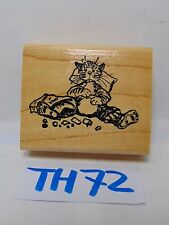 SCRAPBOOK WOOD MOUNTED RUBBER STAMP CATALOG CAT SITTING EATING PIG OUT KITTEN