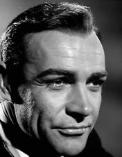 Sean Connery UNSIGNED photo - B2971 - James Bond - Goldfinger