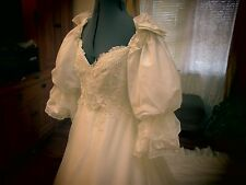 Vintage Princess Diana Style Wedding Dress-Puffy Lace Bows-Ivory-Long Train M/L
