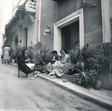 BANYULS c. 1960 - Femmes dans la Rue Pyrénées Orientales - DIV414