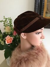 VINTAGE 1940s BROWN VELVET HAT TURN BACK PEAKED GRACIE FIELDS WWII PRISTINE