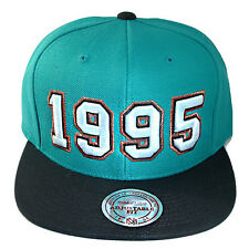 Mitchell & Ness NBA Vancouver Grizzlies Snapback Hat Hardwood Classics 1995 Logo