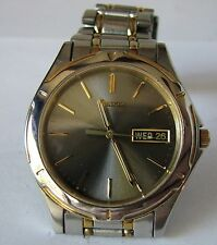 Seiko 7n43 Day and Date Watch with Original Stainless Steel Bracelet