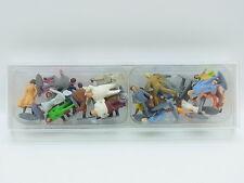 LOT 17950 | 26 Stück Reisende Modellbahnfiguren HO 1:87 Modellbahn Figuren Box