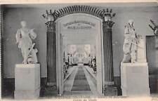 France Ecole Speciale Militaire, Musee du Souvenir Entree Museum Statues