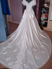 Vintage 1980's White Wedding Dress Long Train. Beautiful Bead Detail size 10/12