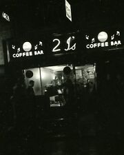 "2is Coffee Shop London 10"" x 8"" Photograph no 4"