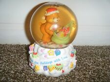 CARE BEARS 2003 Filling Holidays w/Love Musical Water Globe Snow Globe Works