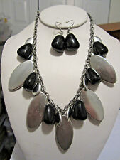 Matt Silver Tone Oval Bead And Black Lucite Bead Drops Necklace Earring Set