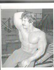 MIKE MENTZER 1976 Mr America Bodybuilding Working Out Muscle Photo B+W