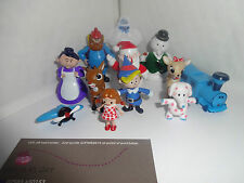 RUDOLPH THE RED-NOSED REINDEER CAKE TOPPERS 12 PLASTIC FIGURES AND 1 FREE GIFT