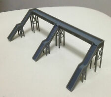 Outland Models Train Railway Overhead Footbridge (3 Entrances) Z / N Scale