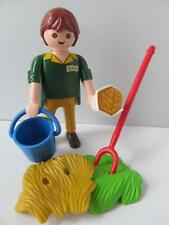 Playmobil Keeper with hay, feed & bucket NEW extra figure/animal set for zoo
