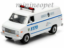 GREENLIGHT 29803 1977 77 CHEVROLET G20 NYPD EMERCENCY SERVICE VAN 1/64 WHITE