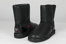 UGG STAR WARS DARTH VADER CLASSIC SHORT BOOTS KIDS SIZE 6 US FIT WOMAN SIZE 8 US