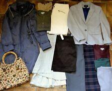 Lot VETEMENTS FEMME 38/40 de 5,5kg: manteau,veste,pantalons,jupes,pulls et sac.