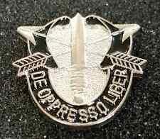 """US ARMY Green Berets Special Forces Vietnam Era 3D 1""""  Hat / Lapel Pin Tie Tack"""