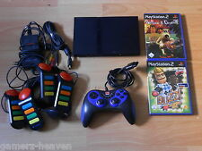 Sony PLAYSTATION 2/ps2 SLIM INCL. Controller + 4x SEGNALATORE ACUSTICO + giochi