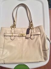 COACH Chelsea White Leather Gold Zip Shoulder Tote Turn-lock Handbag F17811
