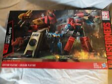 HASBRO TRANSFORMERS Platinum Edition Autobot INTEL OPS Blaster & Perceptor Fig.