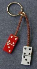 VINTAGE DANGLING TWO DOMINOES PIECES RED & WHITE PLASTIC KEYRING