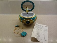 RARE DUTCHESS ANASTASIA ONCE UPON A DECEMBER MUSIC BOX & AMULET FLOWER NECKLACE