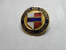 RARE OLD FOOTBALL BADGE BEDFORD AND  DISTRICT  FOOTBALL  LEAGUE GILT BROOCHPIN