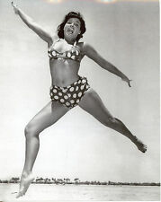 Bettie Betty Page Leggy 8x10 photo T4242