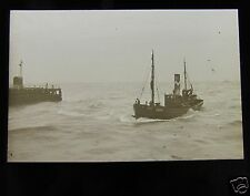 Glass Magic lantern slide BOAT MAKING FOR GORLESTON HARBOUR OCT 1909  SHIP