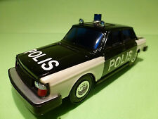 LUCKY 3175 VOLVO 244 - POLICE POLIS - 1:28? - RARE SELTEN - GOOD CONDITION