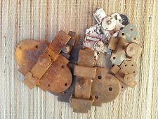 Lot d'anciennes serrures en fer rouillées, ferronerie art populaire