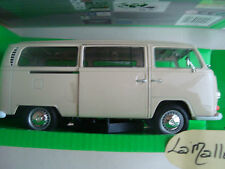 miniature VW T2 bus, beige, 1:24, Welly volkswagen ref 158740 combi beige 1972